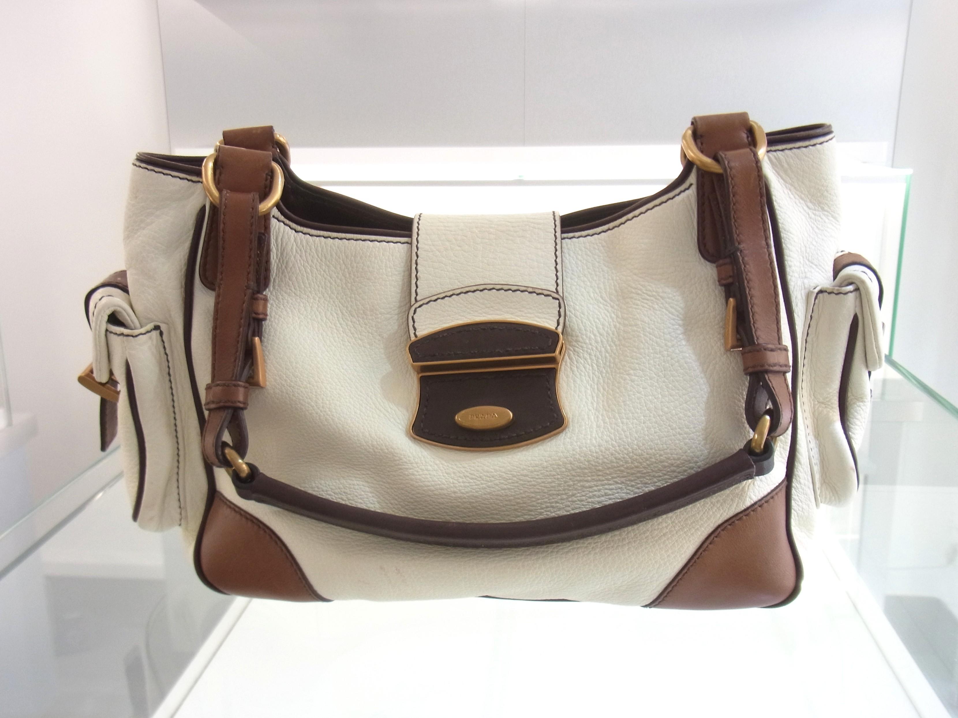 113baf57d48fd Prada Milano Tasche Schultertasche Leder weiß braun original Luxini ...